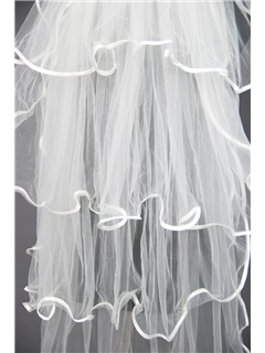 Attractive Floral Edge Wedding Bridal Veil XO92436