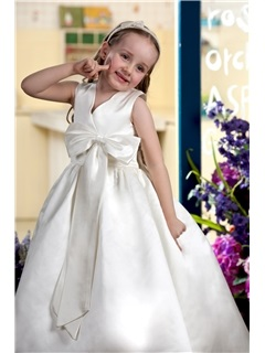 Ball Gown Tea-length V-neck Bowknot Embellishing Flower Girl Dress