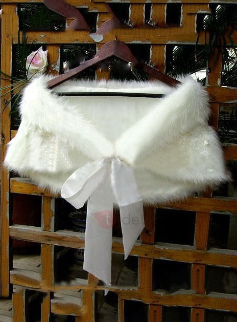Beautiful Lacy Lady's Faux Fur Wedding/Evening Shawl with Ribbon