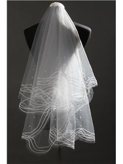 Glamorous Fingertip Wedding Veils with Pearl