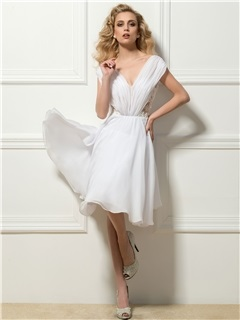 Dazzling V-Neck Appliques Knee-Length Cocktail Dress Designed