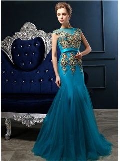 Stunning Trumpet Sheer Neckline Appliques Pearls Long Evening Dress