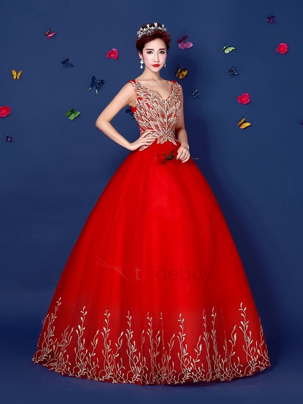 Amazing V-Neck Embroidery Beaded Lace-up Long Quinceanera Dress