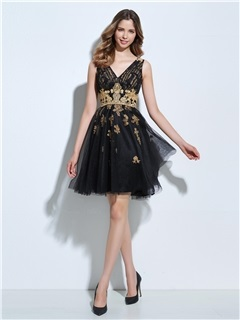 V-Neck Appliques Short Black Cocktail Dress