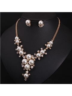 Charming Pearl Rhinestone Design Jewelry Set