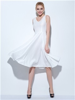 Modern V-Neck Bowknot Knee-Length Lace Homecoming Dress