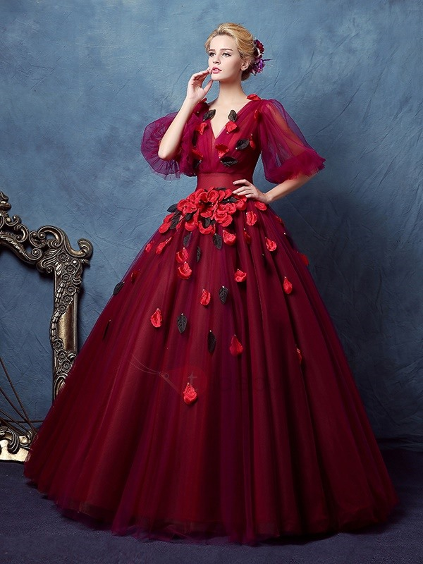 VIntage V-Neck Ball Gown Half Sleeves Pleats Floor-Length Quinceanera Dress