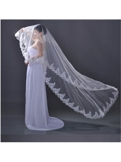Outstanding Top Quality Chapel Wedding Bridal Veil with Lace Applique Edge