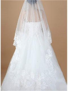 Embroidery Tailing White Tulle Wedding Veil