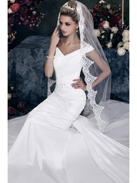 Stylish 1 Layer Chapel Wedding Bridal Veil With Vintage Floral Edge