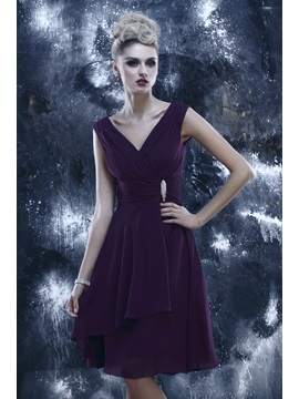 Charming A Line V Neck Straps Crystal Pleats Dashas Short Graduation Dress