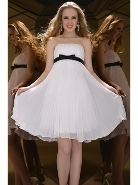 A Line Strapless Bowknot Ruffles Knee Length Homecoming Dress
