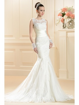 Gorgeous Trumpet Mermaid Scoop Floor Length Chapel Train Lace Wedding Dress