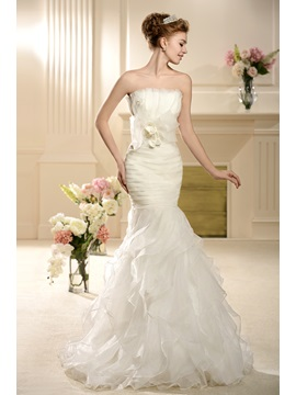 Elegant Mermaid Trumpet Strapless Bowknot Tiered Chapel Wedding Dress