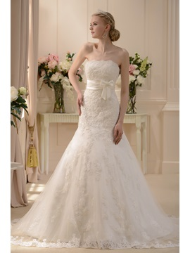 Pretty Slight Trumpet Mermaid Strapless Floor Length Chapel Wedding Dress