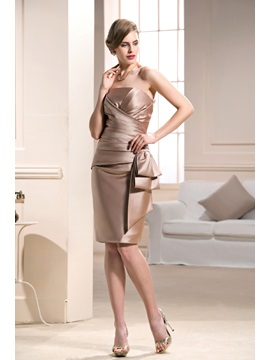 Elegant Bateau Knee Length Sheath Column Formal Dress