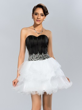 Modern A Line Sweetheart Beading Tiered Short Cocktail Dress