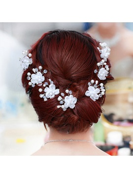 Flower Shaped With Pearl Hairpins