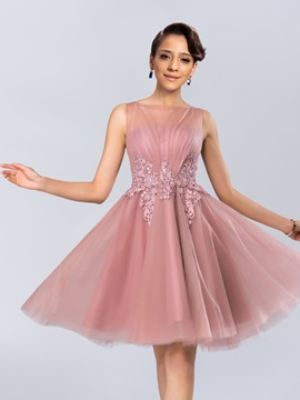 Dazzling Bateau Neckline Appliques Knee Length Homecoming Dress Designed