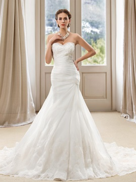 Delicate Beaded Sweetheart Lace Appliques Mermaid Wedding Dress