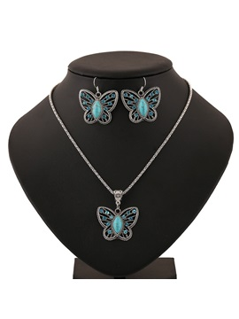 Hollow Out Butterfly Pendant Jewelry Set
