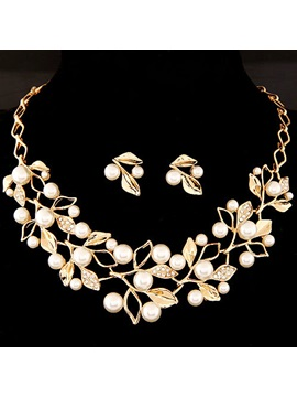 Leaf With Pearl Alloy Jewelry Set Including Necklace And Earrings