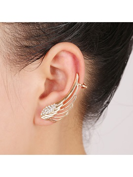 Trendy Wings Shape With Crystal Ear Cuff