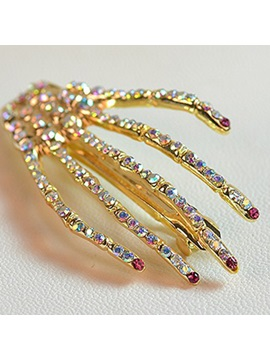 Chic Skeleton Hand Designed Diamond Gathered Hairpin