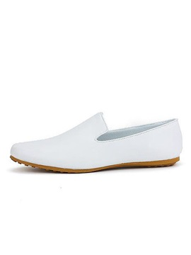 Solid Color Round Toe Slip On Loafers