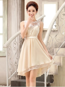 Chic Jewel Neck Champagne Chiffon Short Bridesmaid Dress