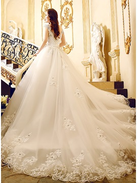 Beaded Lace Appliques Scoop Neck Cap Sleeve Wedding Dress With Train
