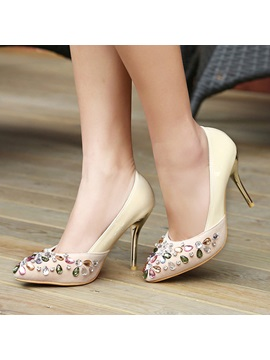 Diamond Round Toe Slip On Pumps