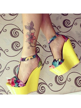 Floral Printed T Strap Wedge Sandals