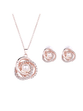 Hollow With Pearl Women Jewelry Set Including Necklace And Earrings