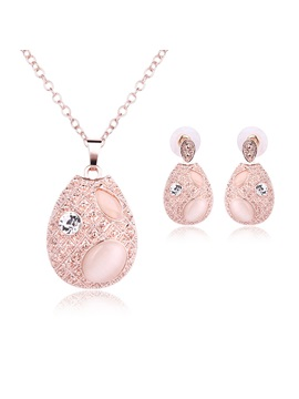 Oval Women Jewelry Set Including Necklace And Earrings