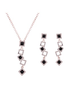 European Style Women Jewelry Set Including Necklace And Earrings