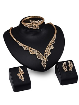 Stylish Hollow Jewelry Set For Women