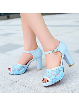 Embroidered Peep Toe Chunky Heel Sandals
