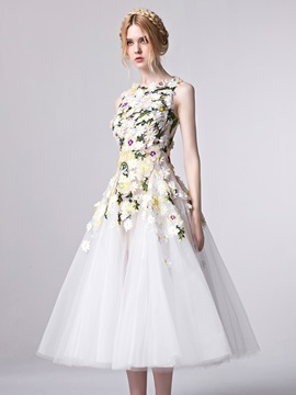 Pretty Straps Flowers Appliques Tea Length Prom Dress