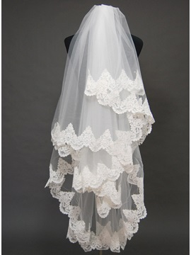 Attractive Floral Edge Wedding Veil Yl94638