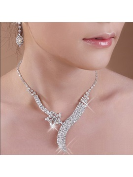 Gorgeous Five Pointed Star Alloy With Diamond Wedding Jewelry Set Including Necklace And Earrings