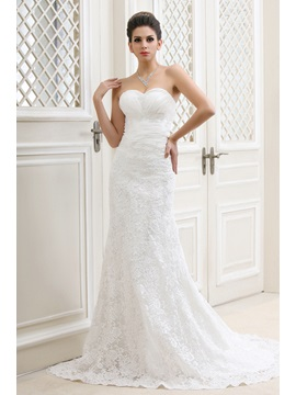 Graceful A Line Sweetheart Court Train Talines Lace Bridal Gown