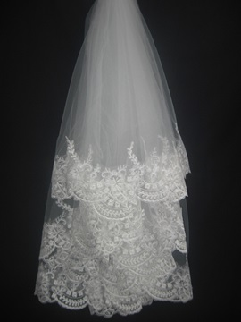 Faddish Fingertip With Lace Flowery Edge Wedding Bridal Veil