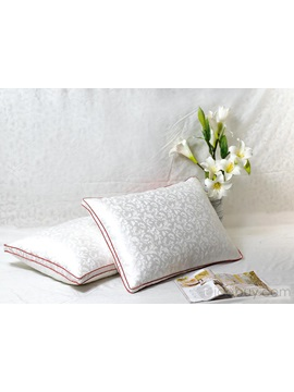 Queen White Duvet Standard Pillows