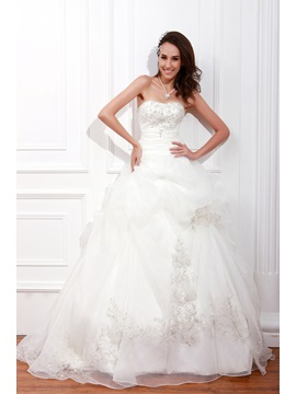 Elegant A Line Sleeveless Beading Sweetheart Embroidery Renatas Wedding Dress