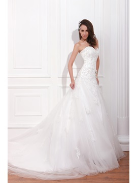 Elegant A Line Floor Length Sweetheart Chapel Appliques Renatas Wedding Dress