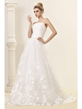 Wonderful Flowers Embellishing A Line Floor Length Wedding Dress
