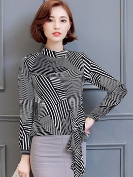 Stylish Geometric Pattern Slim Shirt