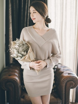 Casual Plain V-Neck Sweater Dress