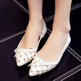 Rivets Pointed-Toe Flats